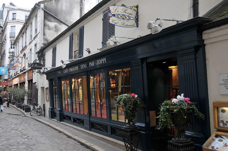 Café Procope │© sergemelki / Wikimedia Commons