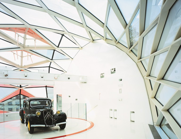 Citroën Showroom on the Champs-Élysées │ Courtesy of Manuelle Gautrand Architecture