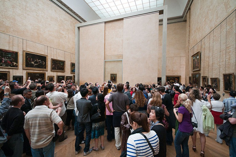 Crowd at the Mona Lisa │