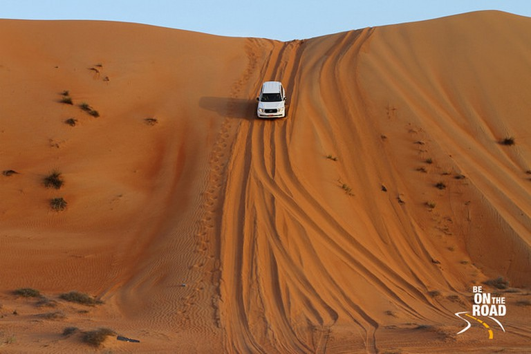 Dune Bashing Wahiba Sands | © Sankara Subramanian / Flickr