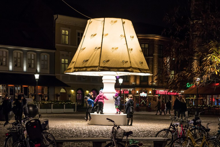 Giant Lamp in Lilla Torg