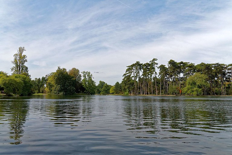 Lac Inférieur in the Bois de Boulogne │© BikerNormand / Wikimedia Commons