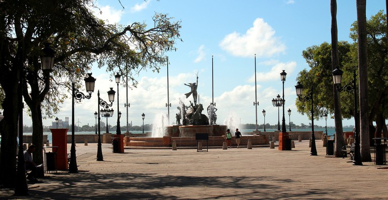 Paseo de la Princesa fountain