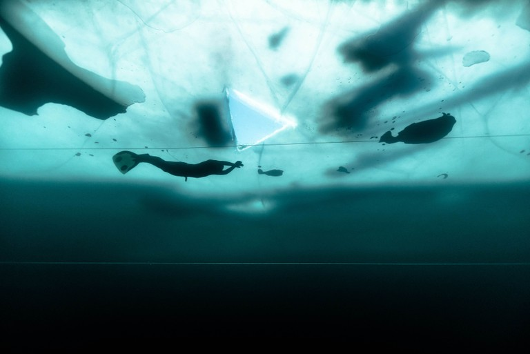 Arthur Guérin-Boëri held his breath while swimming 175m in a frozen lake | © Alex Voyer/REX/Shutterstock