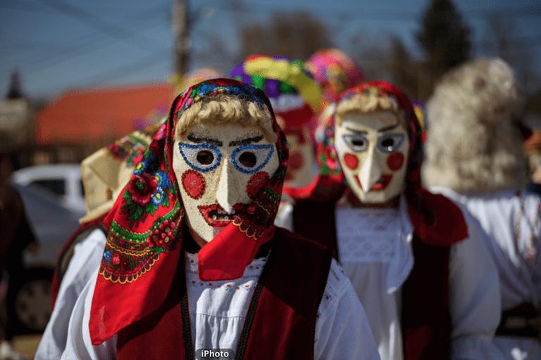 Cucoaicele parading on Ziua Cucilor in Brănești