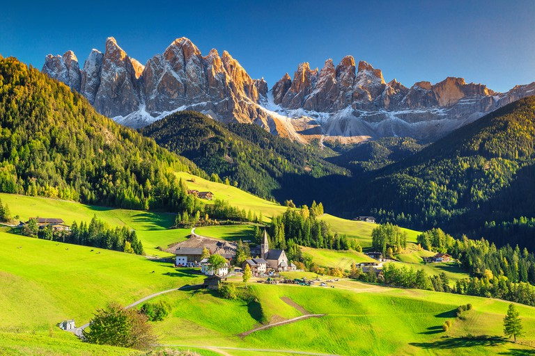 The dramatic crags of the Dolomite mountain range | © Gaspar Janos / Shutterstock