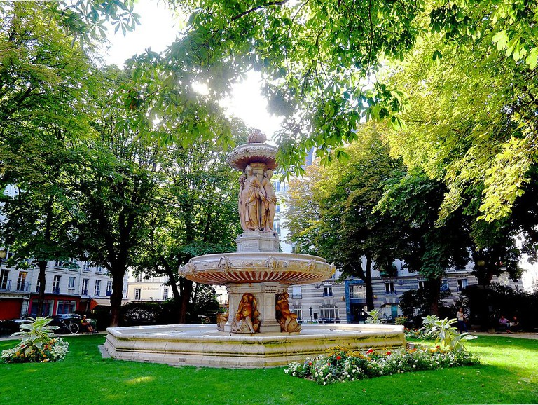Square Louvois │© Mbzt / Wikimedia Commons