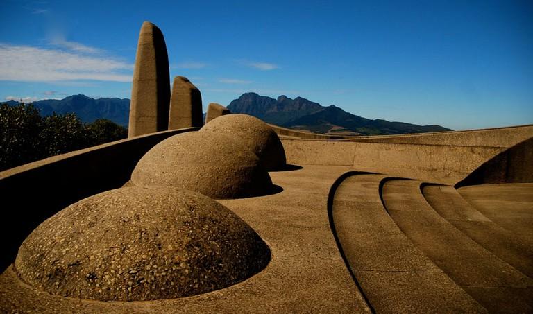 10 Historical Landmark...