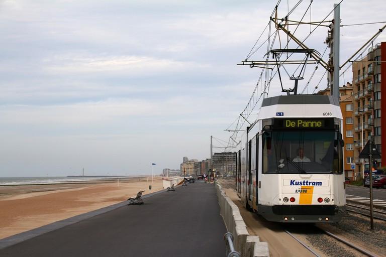 The coastal tram at Knokke | © Alain Rouiller / Flickr