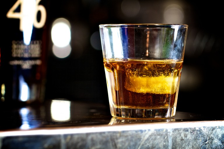 Glass of whiskey | © Jeff Drongowski / Flickr