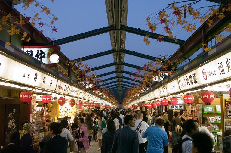 Nakamise-dori in Asakusa, Tokyo   © Dieter Karner/Flickr