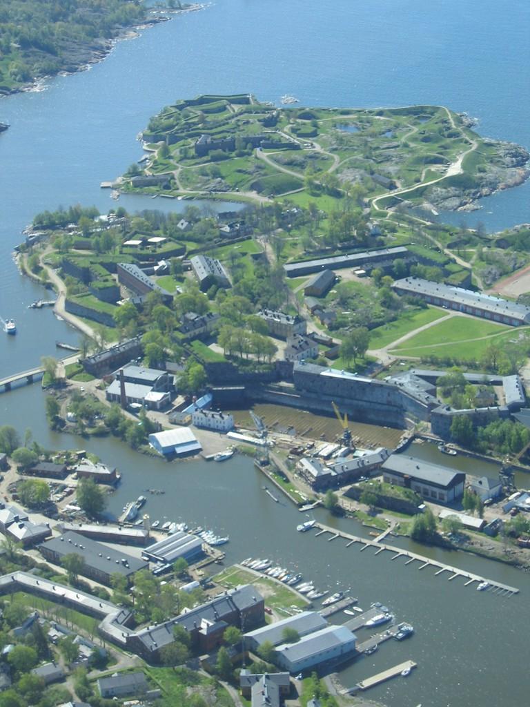 Suomenlinna as seen from the air/ Henri Bergius/ Flickr