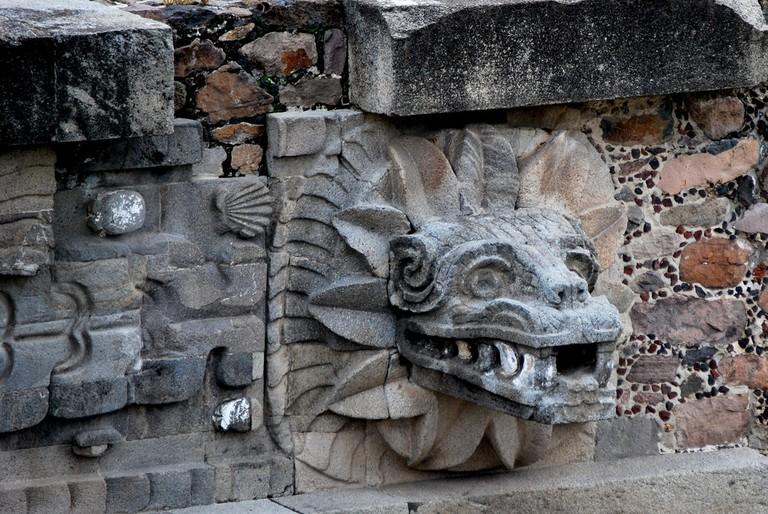 Architectural detail on the Templo de Quetzalcóatl