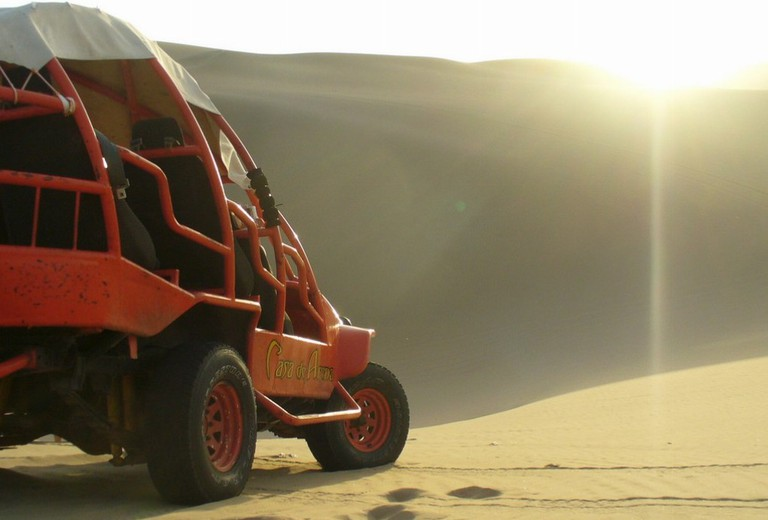 Dune buggy Huacachina