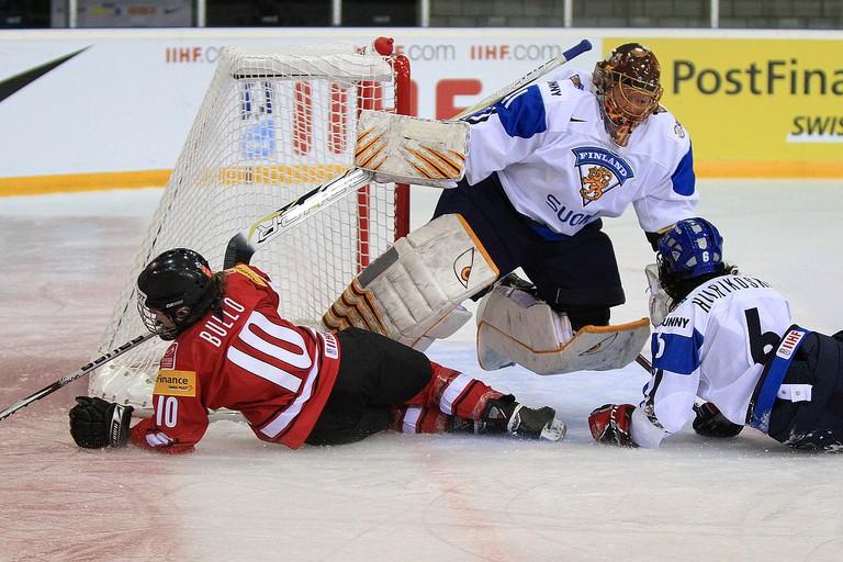 IIHF World Women Championship 2011. Preliminary Round Game Group B. Switzerland – Finland 2-1 OT