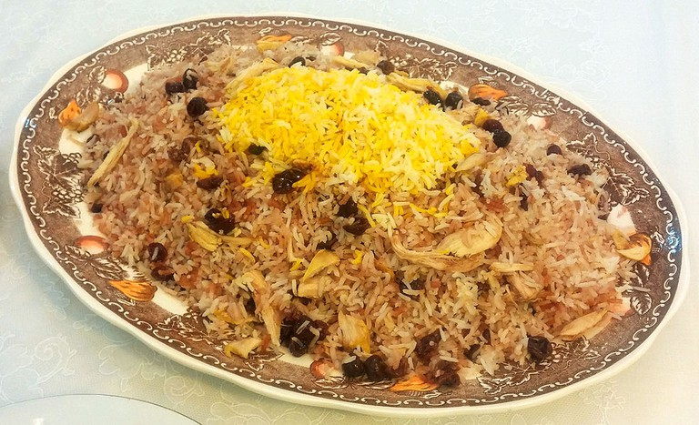 Âlbâloo polo is a sweet rice dish | © SaMin SAmIN / Wikimedia Commons