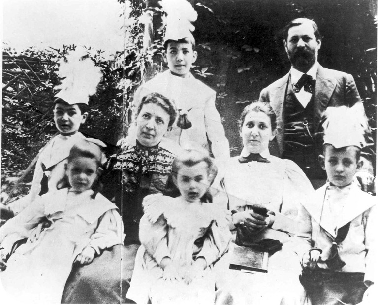 Sigmund Freud and family