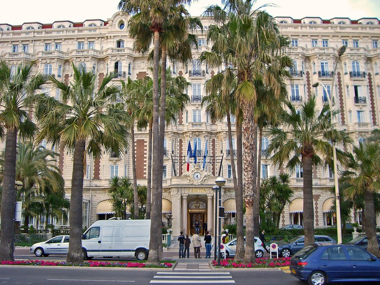 Carlton Hotel in Cannes │© Bs0u10e0 / Flickr