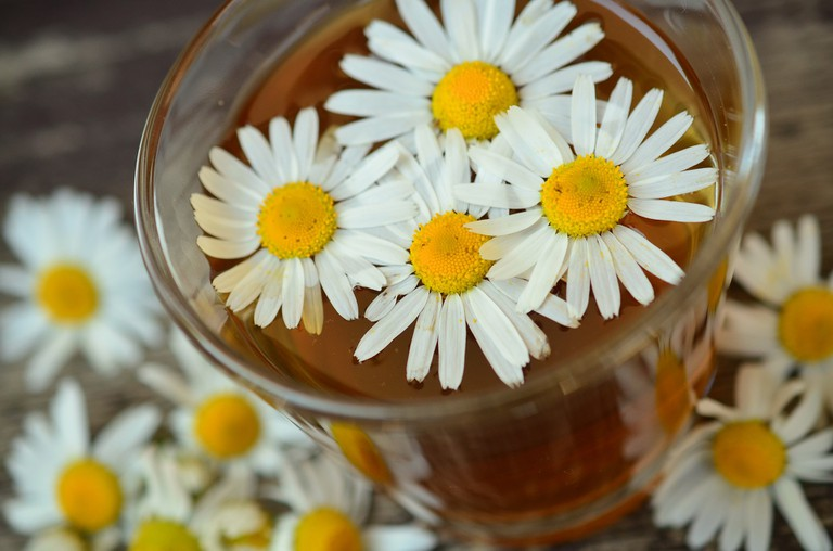 Chamomile for swollen eyes