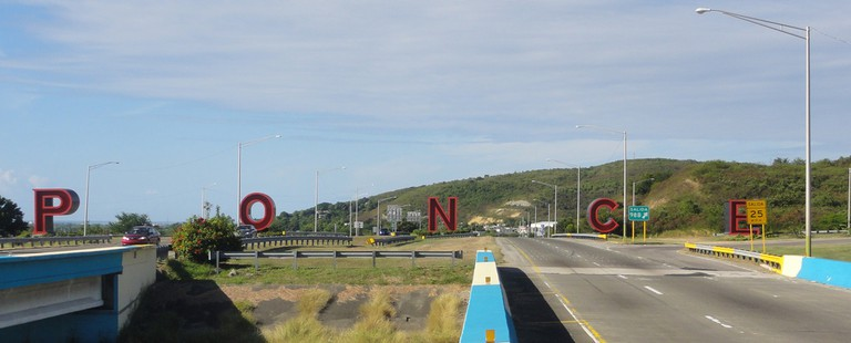 Entrance to Ponce, Letras de Ponce
