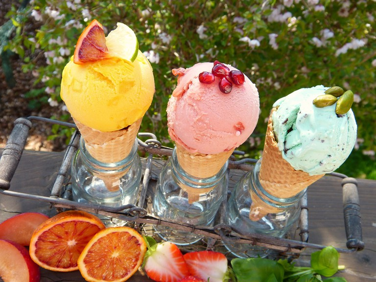 Discover a variety of flavors at 50 Sabores /