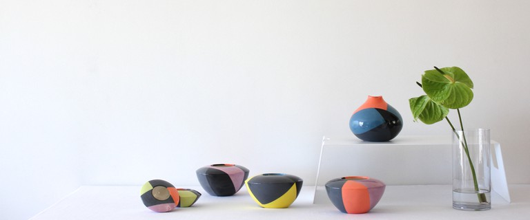 Colorful vases © Courtesy of Catherine Ash
