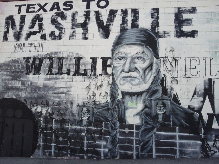 Willie Nelson wall mural / (c) Eric Hamiter / Flickr