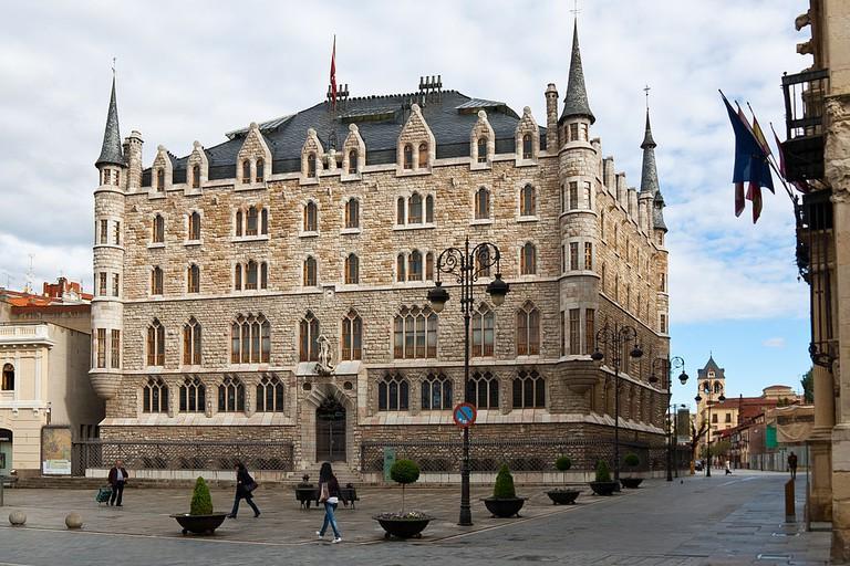 La Casa de los Botines de Antonio Gaudí en León, Spain