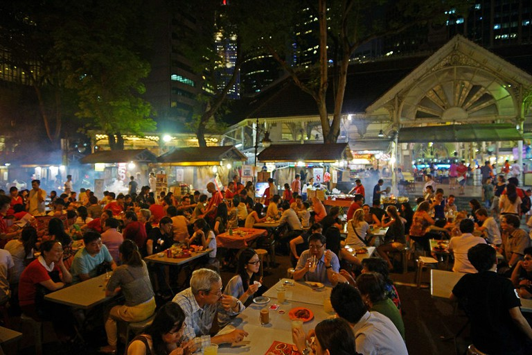 https://commons.wikimedia.org/wiki/File:Satay_stalls_along_Boon_Tat_Street_next_to_Telok_Ayer_Market,_Singapore_-_20120629-02.jpg