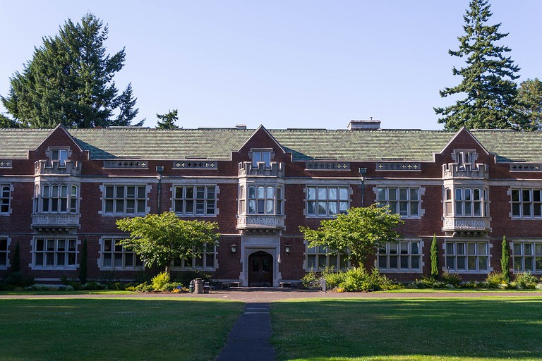 Eliot Hall – Reed College | © Visitor7/Wikimedia