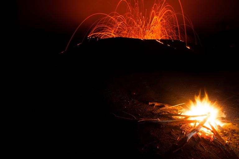 Mt Yasur em erupção