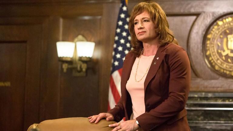 Denise Bryson (David Duchovny)