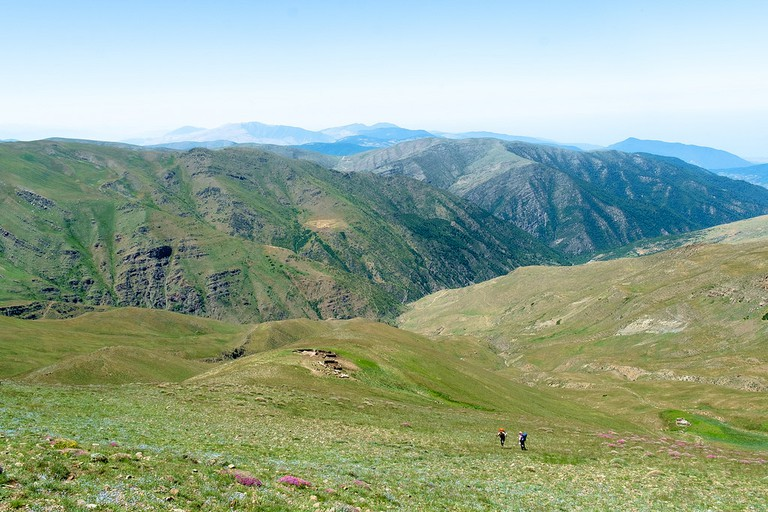 Hikers in the Mazandaran province   © Zabara Alexander/ Flickr