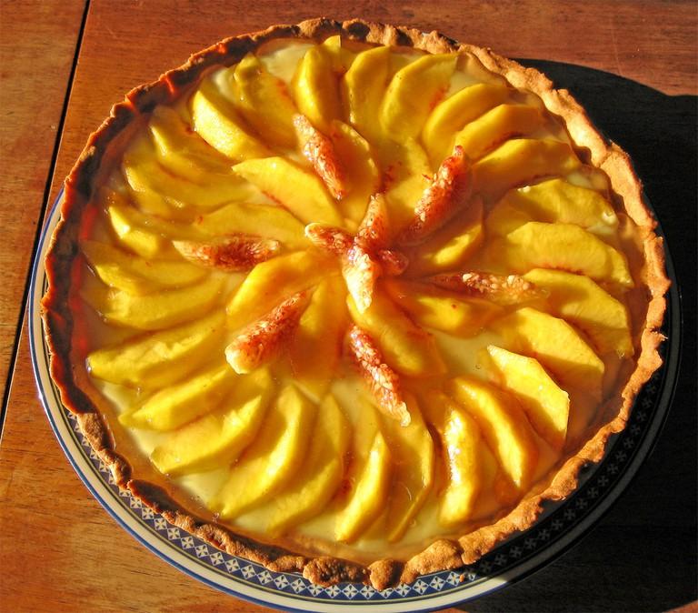 A peach crostata