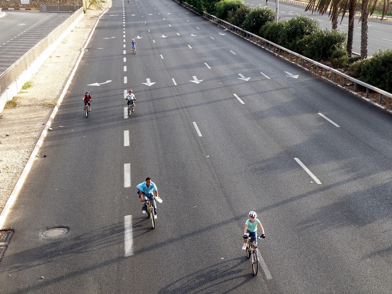 Yom Kippur in Israel has all the roads empty and people riding their bike