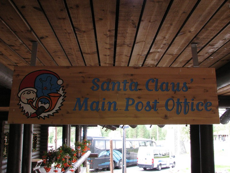 A sign for the post office at Santa Claus Village/ Cyril Doussin/ Flickr