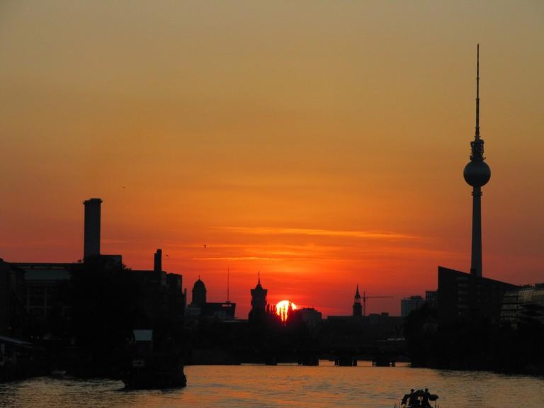 A beautiful Berlin sunset over the Spree