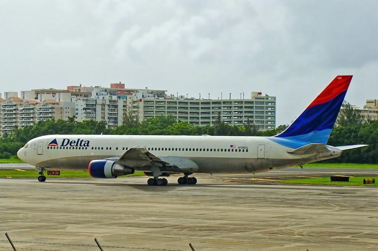 Delta plane at the San Juan International Airport