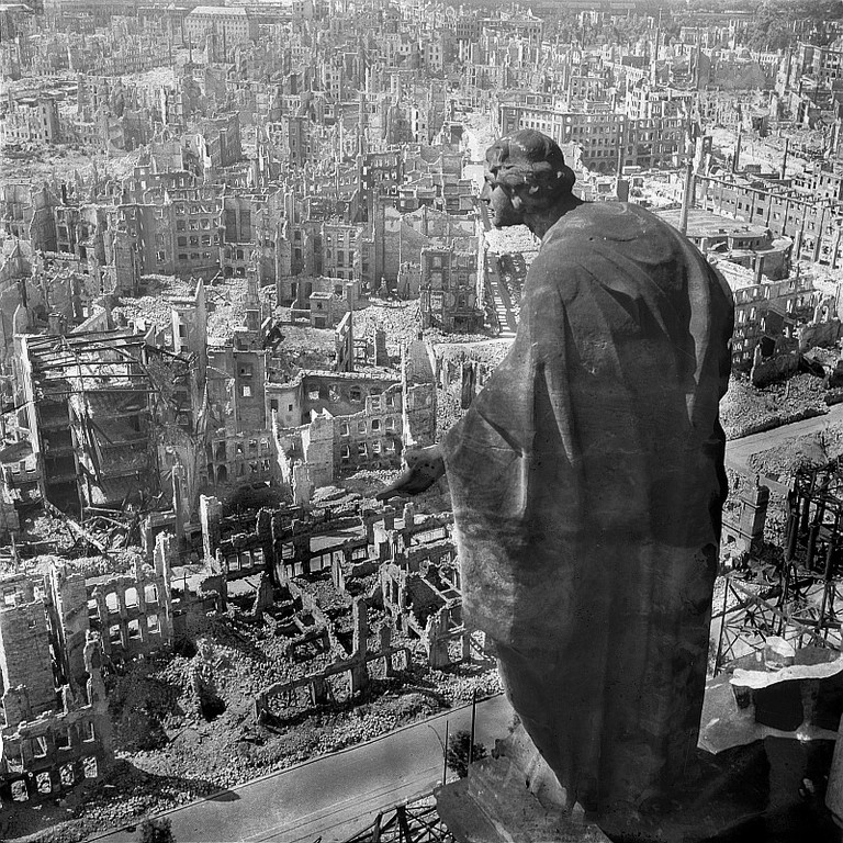 A destroyed Dresden in 1945, from the Rathaus tower