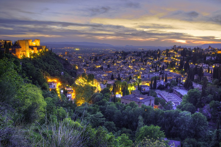 Granada at night, with the Alhambra beautifully underlit; 1919021, pixabay