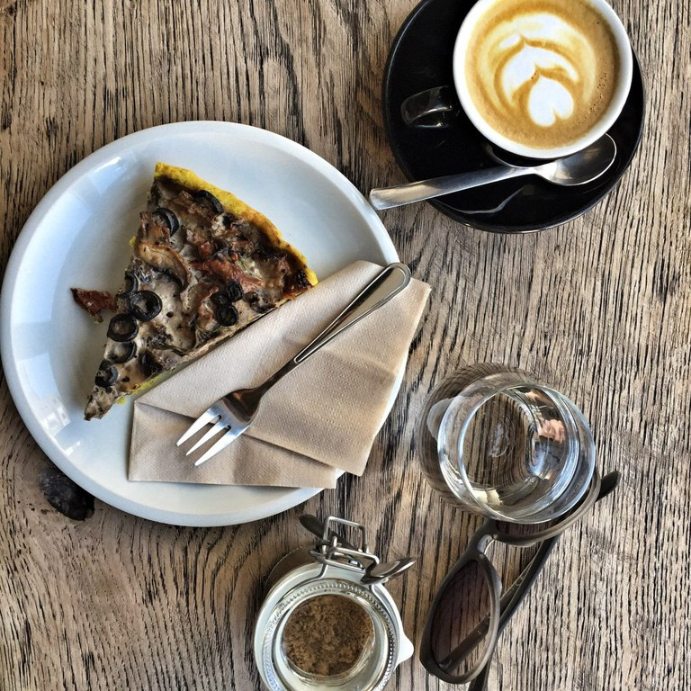 Veggie Torte and Coffee from Brno Cafe| © Mateusz Chojnacki TravlrBlog