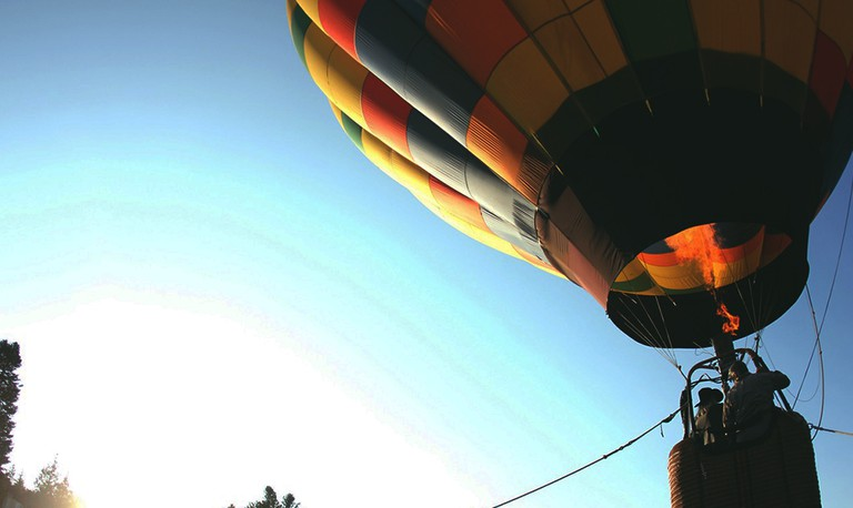 Hot air Baloon © Austin Ban / Unsplash