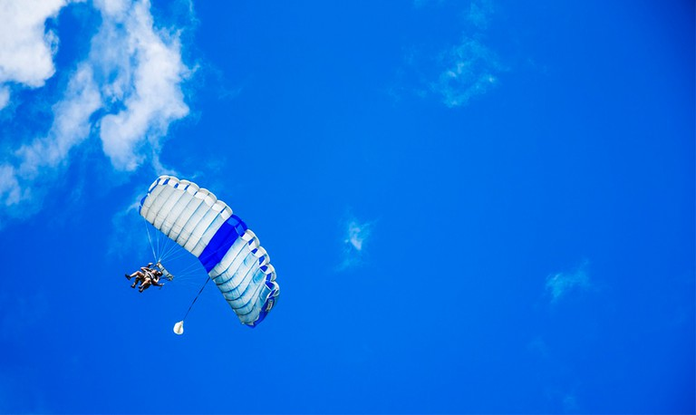 Skydiving | © Eun-Kwang Bae / unsplash