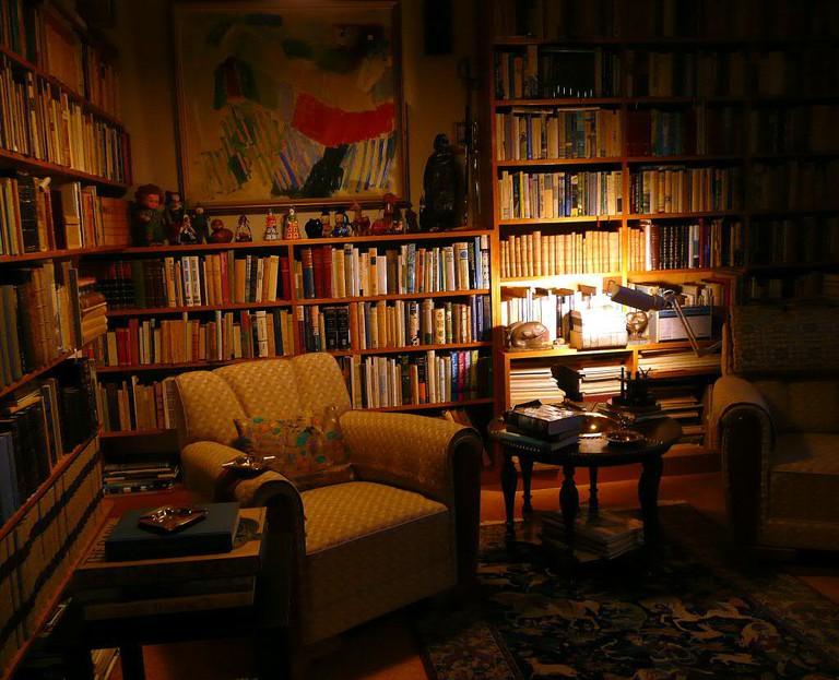 Bookshelves of Halldor Laxness