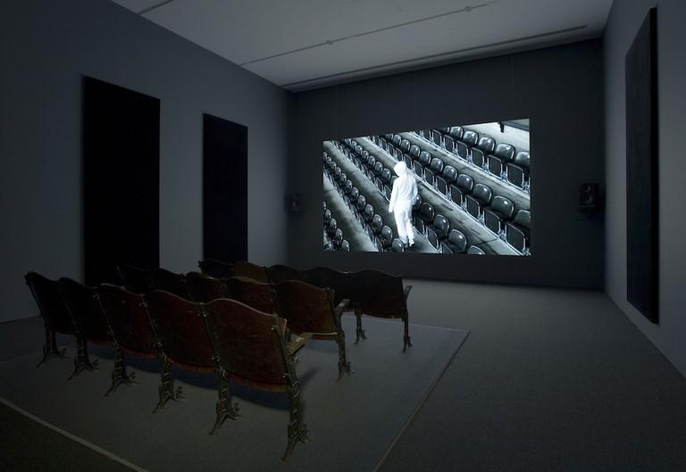 Lynne Marsh, Stadium (2008). HD video installation at the Musée d'art contemporain de Montréal