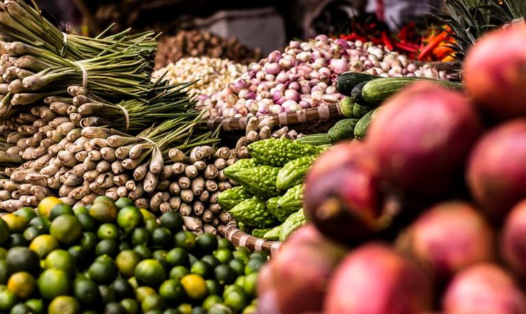 Market © Julian Hanslmaier/ Unsplash