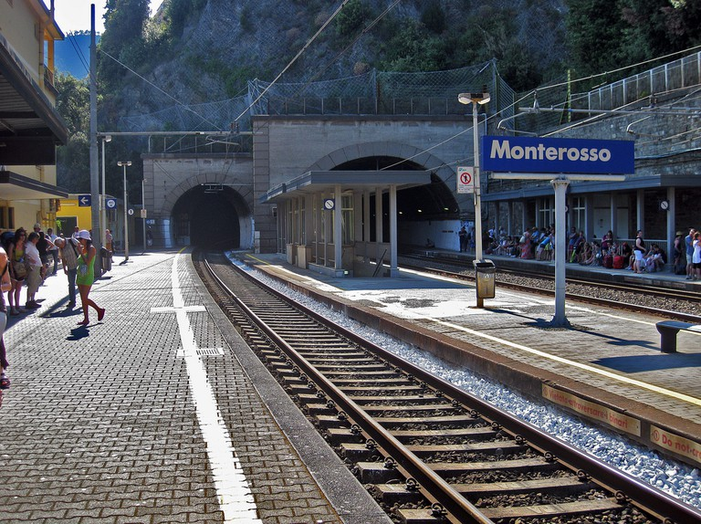 Monterosso train station©AlexRanaldi:Flickr