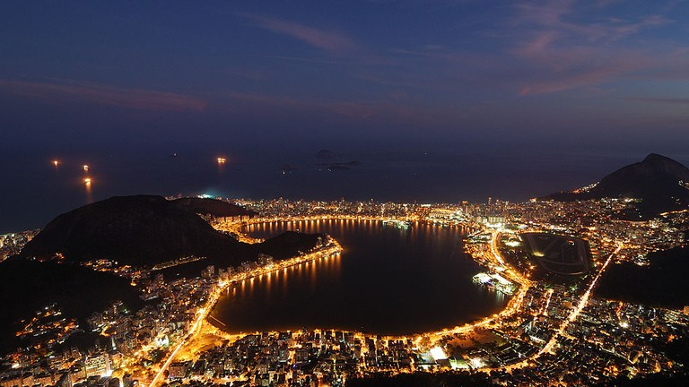 Lagoa at night |© Rosino/WikiCommons