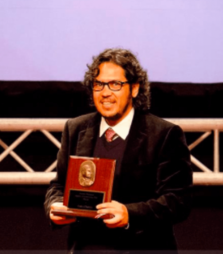 Chaves receiving Costa Rica's Premio Nacional de Cultura, 2012