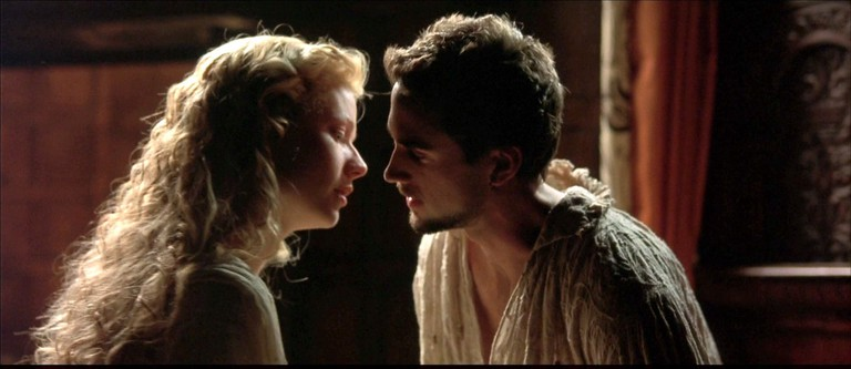 Gwyneth Paltrow and Joseph Fiennes in 'Shakespeare in Love'